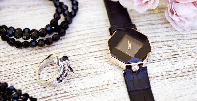 дамски часовник и аксесоари
